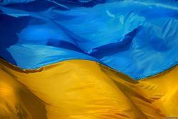 День флага: вверх ногами в Крыму, в Косово и неправильный герб во Львове