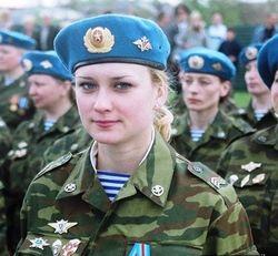 Сразу 16 женщин-офицеров стали командирами взводов российских десантников