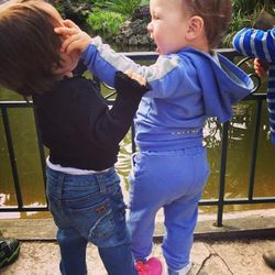 Пример Виктории Бони: что важнее – написать в Twitter или защитить ребенка