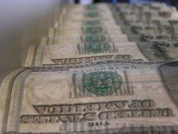 Американский доллар продолжает оставаться слабым