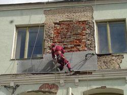 Украина: парламент предложил ремонтировать дома за счет украинцев