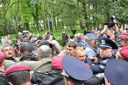 ТОП видео Youtube: драка ВО Свобода и милиции в Тернополе