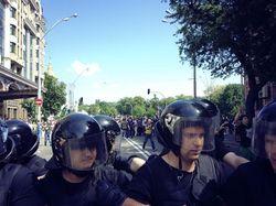 Массовая драка на митинге в Киеве