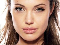 Уроки PR: операция Анджелины Джоли толкнула мужчину на удаление здоровой простаты