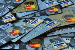 Осуществить платеж пластиковой картой можно и с помощью телефона