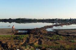 Бизнесмен из России нанес колоссальный ущерб целительному озеру в Крыму – экологи