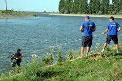 ЧП в Крыму: автомобиль с людьми съехал в рисовый канал, есть жертвы