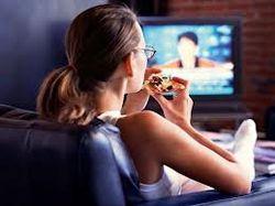 Врачи назвали 5 вредных привычек в еде, ведущих к ожирению