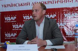 Против ударовца, подавшего в суд на Азарова, в МВД составили иск