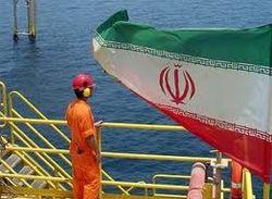 Иран экспортирует нефть