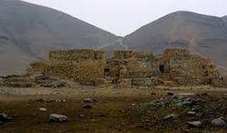 В Перу рабочие экскаватором снесли древнюю пирамиду