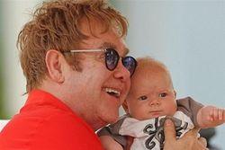 У Элтона Джона будет еще один ребенок