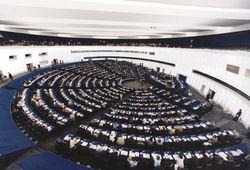 Евродепутаты накануне заседания по Украине: Киев нас обманывает