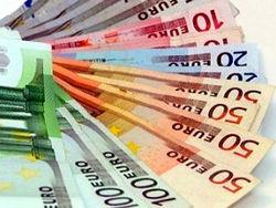 Ежегодно  европейцы тратят  по 750 евро на  автомобили