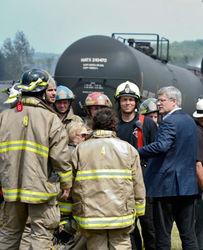 В канадской провинции Квебек потушили пожар на месте аварии локомотива