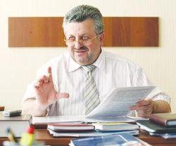 Глава Главного следственного управления МВД В. Фаринник подал в отставку