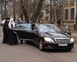 Издержки веры: за что в Украине раскритиковали Папу Римского