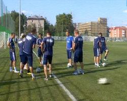 Футболистам «Динамо» пригрозили и обстреляли пулями с краской