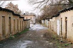 Вслед за гаражами в Ташкенте принялись сносить пристройки к домам