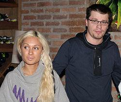 Суд по разводу четы Харламовых перенесли на месяц из-за «уточнения»