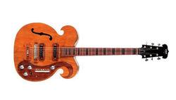 На аукционе была продана гитара The Beatles