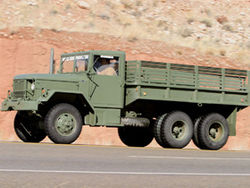 военный грузовик