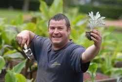 Рейтинг самых счастливых профессий: первое место - садовники и флористы