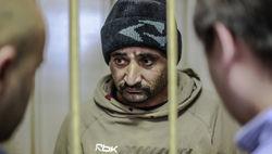 Дворник-узбек, избивший московского школьника, освобожден в зале суда