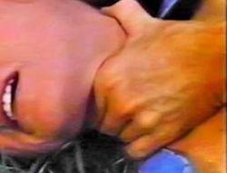 Крестный сын задушил женщину