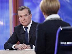 Эксперты: Интервью Медведева – желание напомнить о тандеме с Путиным