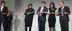 Компания JaguarLandRover открыла новый дилерский центр в Москве