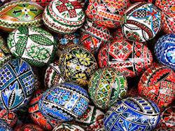 РПЦ: чем не стоит украшать пасхальные яйца