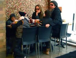Бред Питт, Анджелина Джоли и дети