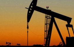 К выходным нефть снова подешевела