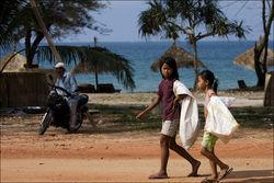 В Камбодже туристы из России и Украины пытали пойманного вора