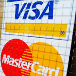 Туристам: В Ватикане запретили пользоваться банковскими картами