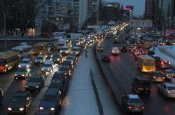 Киев провел ночь в снежном плену. Мнения в соцсетях
