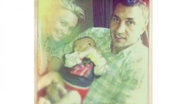 PR и отцовство: в Интернете появилось фото Кличко с младенцем на руках