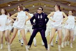 Есть миллиард! На YouTube клип Gangnam Style просмотрело «девять нулей»