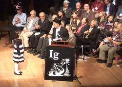 Кому и за что в Гарварде вручили «Шнобеля»