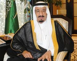 Король Саудовской Аравии передал все свои полномочия кронпринцу