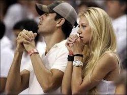 Курникова и Иглесиас свяжут себя узами брака через неделю в Майами
