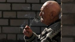Финнам запретят курить на балконах?