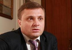СМИ: глава администрации Януковича в доле телеканала «Интер»