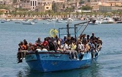лодка с иммигрантами