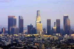 Сообщение о бомбе в авто заставило эвакуировать сотни жителей Лос-Анджелеса