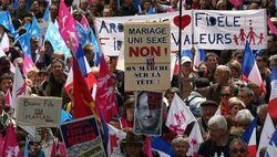 На марш против однополых браков в Париже вышло 150 тысяч человек