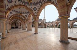 В Чечне начали стройку мечети имени Кадырова. Что еще названо в честь Кадырова