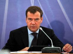 Медведев в интервью пяти телеканалам рассказал о коррупции, пенсиях и «конце света»