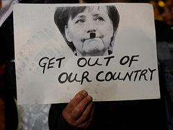 Последствия кризиса: школьники Кипра угрожают Меркель расправой